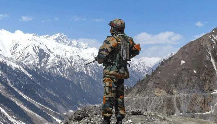 सिक्किम और अरुणाचल प्रदेश में भी टकराव की तैयारी में चीन, सामने आई ये गतिविधियां