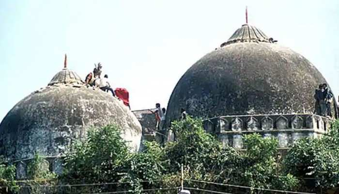Babri Masjid Demolition case SC Sets New Deadline for Verdict on Cases  Against Advani Joshi Uma Bharti | इस तारीख को आएगा 'अयोध्या के विवादित  ढांचे' के विध्वंस पर फैसला, ये नेता