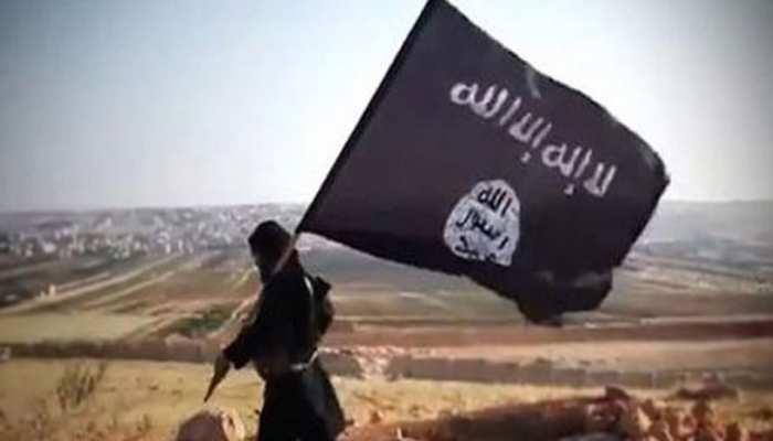 आखिर कैसे पूरी दुनिया के लिए खतरा बन गया इराक में जन्मा खूंखार आतंकी संगठन ISIS? पढ़ें