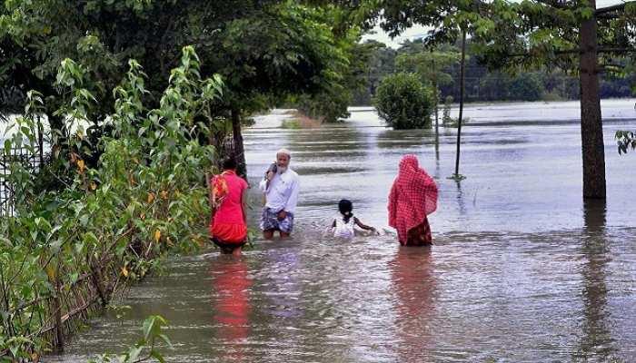 बिहार: बाढ़ से कई जिले बेहाल, 33 फीसदी फसल तबाह, लोग बेघर