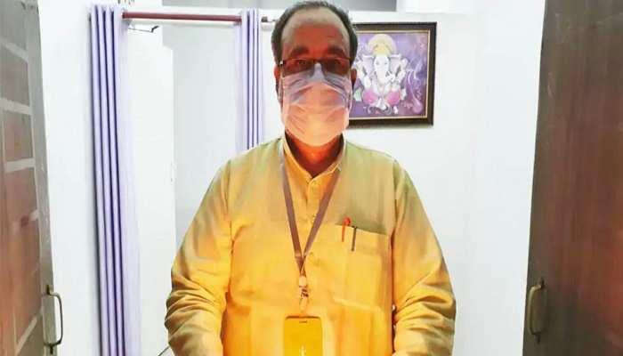 योगी के एक और मंत्री हुए कोरोना पॉजिटिव, पंचायती राज मंत्री भूपेंद्र सिंह चौधरी ने ट्वीट कर दी जानकारी