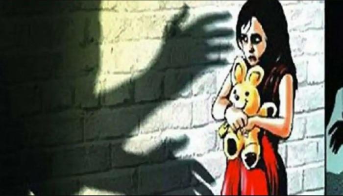 Maharashtra: कलयुगी पिता का घिनौना रूप, नाबालिग ने दिया बच्चे को जन्म, दो गिरफ्तार