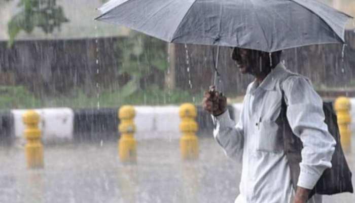 जम्मू-कश्मीर में भारी बारिश का अलर्ट, खतरे की आशंका के चलते राष्ट्रीय राजमार्ग बंद