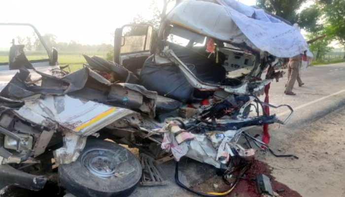 UP के बहराइच में रफ्तार का कहर, एक्सीडेंट में 5 लोगों की हुई मौत, कई घायल