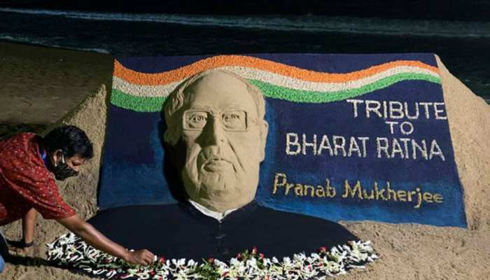 PHOTOS: People remember Former President Pranab Mukherjee through these pictures