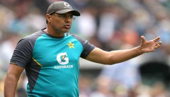 टेस्ट क्रिकेट में एक ही ब्रांड की गेंद का होना चाहिए इस्तेमाल: वकार यूनिस