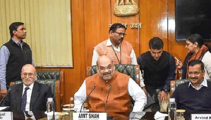 दिल्ली में फिर बढ़ रहे तेजी कोरोना केस, गृह मंत्रालय ने किया उपराज्यपाल से संपर्क