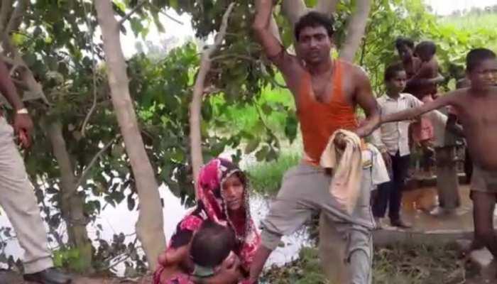 बहराइच: घर की आस में प्रधान को दिए पैसे, बदले में पूरे गांव के सामने हुई पिटाई, अब दर्ज हुआ केस