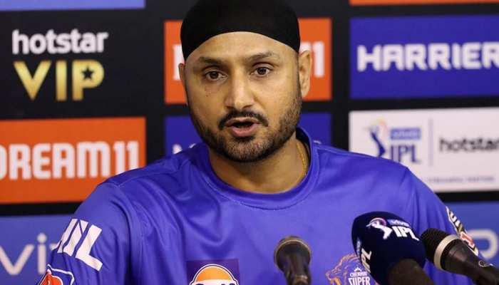 IPL 2020: CSK को लगा एक और बड़ा झटका, हरभजन सिंह टूर्नामेंट से बाहर
