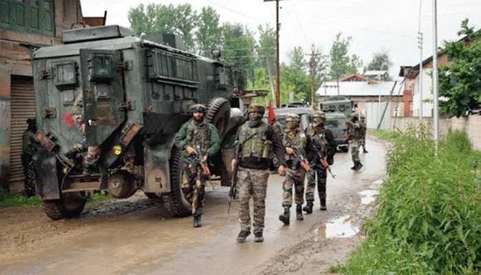 जम्मू-कश्मीर: सिक्योरिटी फोर्सेज़ को मिली बड़ी कामयाबी, 3 दहशतगर्दों को किया ढेर