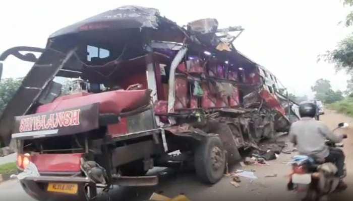 ओडिशा से मज़दूरों को गुजरात ले जा रही बस रायपुर में हादसे का शिकार, 7 की मौत, 50 जख्मी