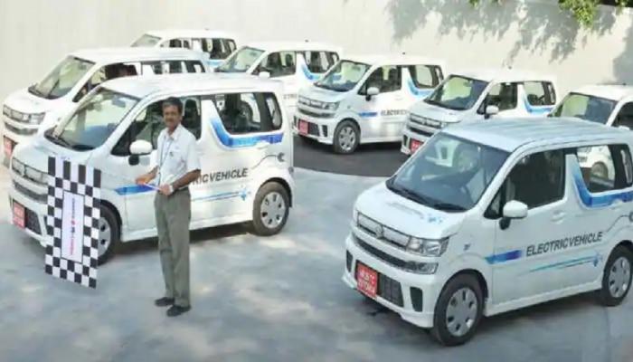 इलेक्ट्रिक कारों को बढ़ावा देने के लिए सरकार का नया कदम, 69 हजार पेट्रोल पंपों पर मिलेगी ये सुविधा