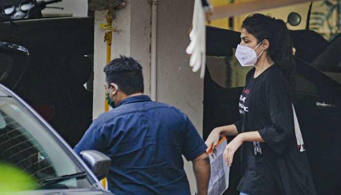 सुशांत सिंह केस: कोर्ट ने रिया चक्रवर्ती को 14 दिन की न्यायिक हिरासत में भेजा, 22 सितंबर तक जेल में रहेंगी