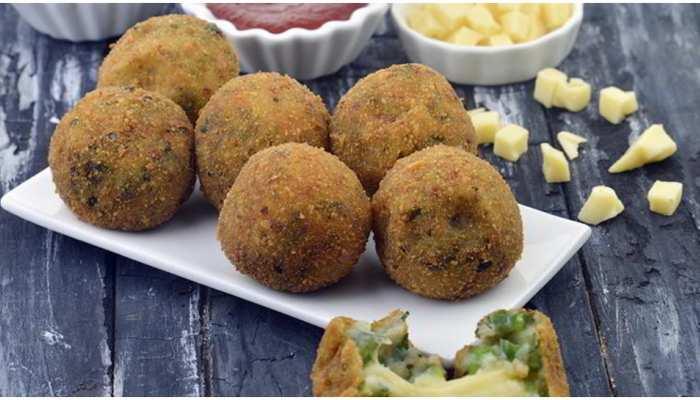 मात्र 5 मिनट में बन जाएंगे आलू के ये स्वादिष्ट बॉल्स, स्वाद ऐसा कि तारीफ करते रह जाएंगे लोग