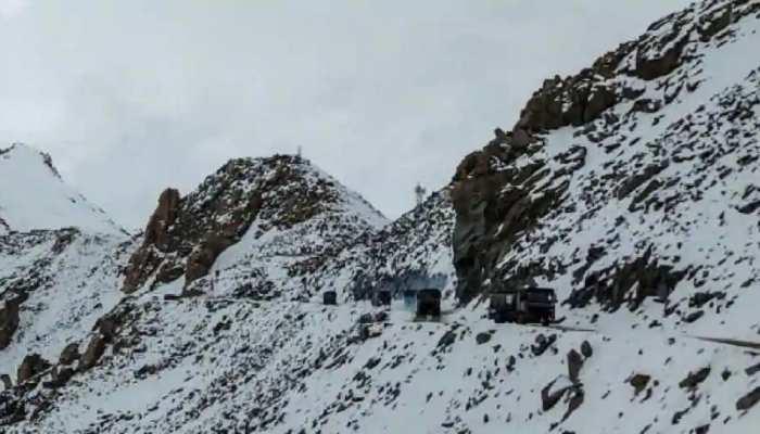 महज 300 मी की दूरी पर India-China की सेनाएं, जल्द होगी कोर कमांडर स्तर की वार्ता