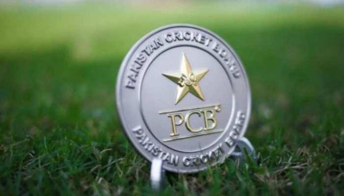 PCB का हैरान करने वाला फैसला, खिलाड़ियों से लेंगे कोराना टेस्ट के पैसे