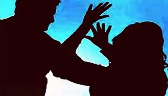 गैंगरेप पीड़िता को नहीं मिला इंसाफ, पिता ने दी विधानसभा के सामने आत्महत्या करने की धमकी
