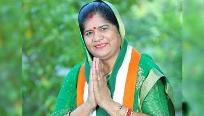 मंत्री इमरती देवी पर पर्सनल अटैक करने वाले कांग्रेस नेता के खिलाफ BJP मुखर, पार्टी से निकालने की मांग की