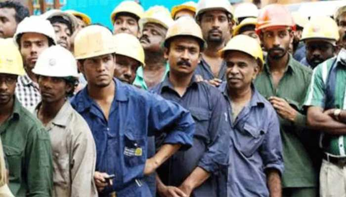 मजदूरों और कामकाजी लोगों के हित में मोदी सरकार का बड़ा फैसला, मिलेंगे कई फायदे
