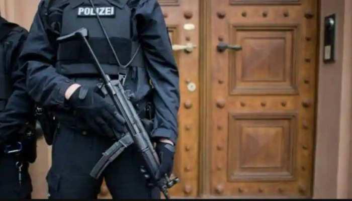 जर्मनी में फिर सामने आ रहे हिटलर समर्थक? ऐसी तस्वीर साझा करने वाले 29 पुलिसकर्मी सस्पेंड