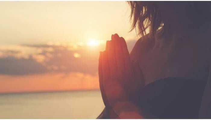 जीवन के साथ ही सभी धर्मों की आस्था से भी जुड़ा है जल, जानिए कैसे