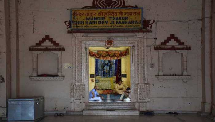 जानिए मथुरा के उस मंदिर के बारे में जिसने एक रात में लिया था 7 मंजिला भव्य स्वरूप