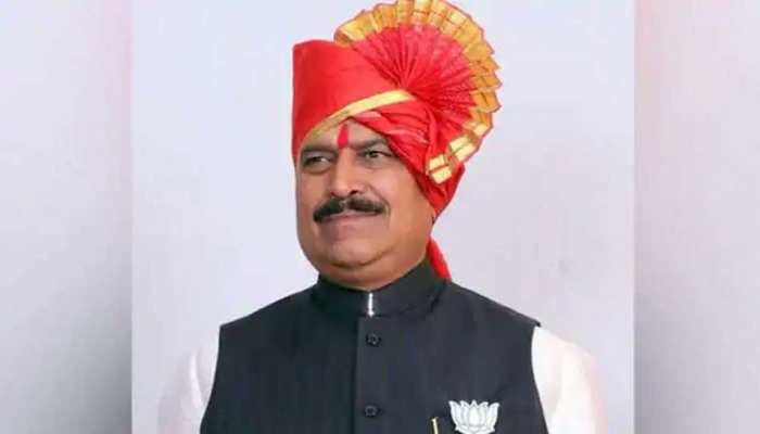 सीएम नीतीश कुमार ने केंद्रीय रेल राज्य मंत्री सुरेश अंगाड़ी के निधन पर जताया शोक