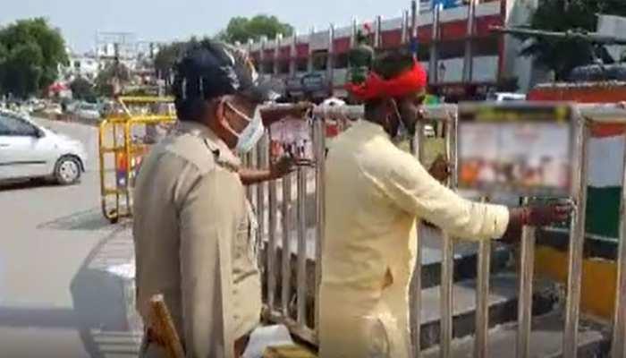 सपा ने लगाए गैंगरेप के आरोपी BJP नेता के पोस्टर, कहा- CM का आदेश है ''ऑपरेशन दुराचारी''