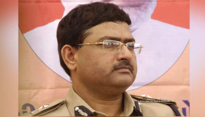 मुंबई पहुंचे NCB प्रमुख Rakesh Asthana, बॉलीवुड ड्रग्स केस का लिया जायजा