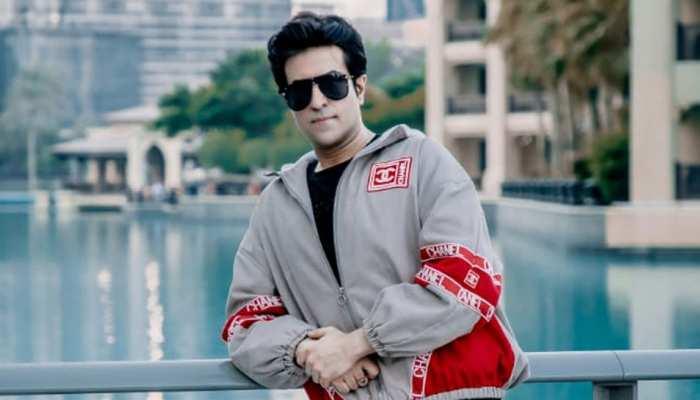 सोनाक्षी और शत्रुघ्न सिन्हा के साथ सॉन्ग 'जरूरत' में नजर आए गायक Ajay Keswani