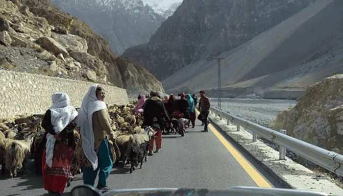 गिलगित-बाल्टिस्तान पर इमरान खान के इस फैसले का पाकिस्तान में हो रहा जमकर विरोध