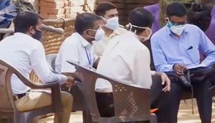 हाथरस: पीड़ित ने कहा- CBI पर नहीं है भरोसा, SC के जज की निगरानी में हो जांच