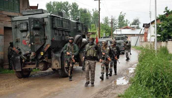 जम्मू-कश्मीर: पुलवामा में सिक्योरिटी फोर्सेज़ पर दहशतगर्दाना हमला, 2 जवान शहीद