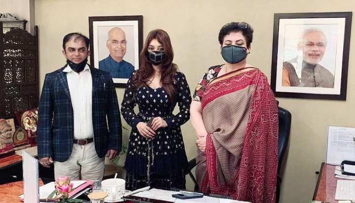 पायल घोष ने अनुराग कश्यप को कहा 'गिद्ध', सरकार से मांगी Y कैटेगरी की सुरक्षा