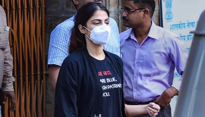 रिया चक्रवर्ती की हुई जेल से रिहाई, कोर्ट से मिली सशर्त जमानत