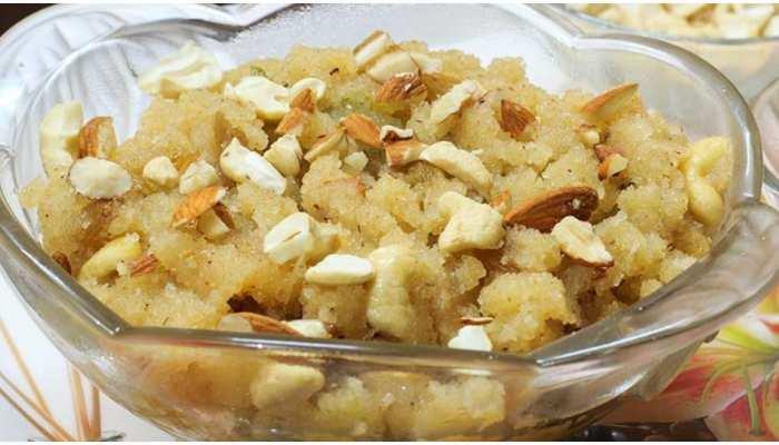 मात्र 5 मिनट में बनाइए स्वाद व पौष्टिकता से भरपूर केले और सूजी का हलवा, जानिए रेसिपी