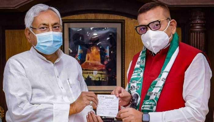 Bihar Election: पूर्व DGP गुप्तेश्वर पांडेय को नहीं मिला JDU से टिकट तो कही ये बात