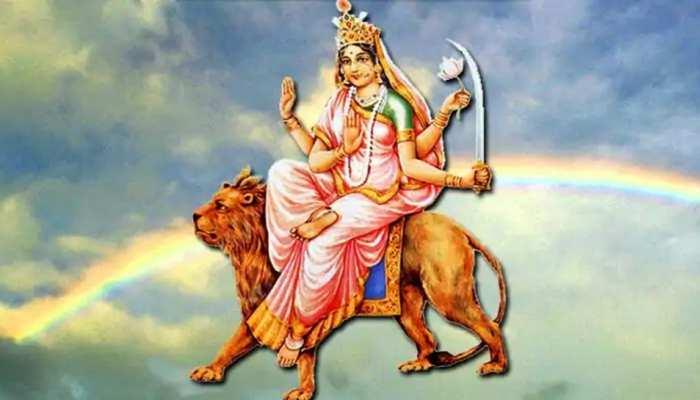 Navratri 2020: मां दुर्गा को खुश करने के लिए करें इन मंत्रों का जाप, पूरी होंगी सभी मनोकामनाएं