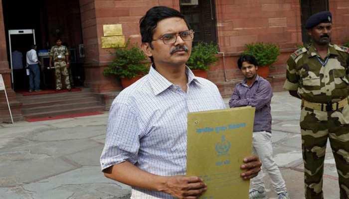 चर्चित IPS अमिताभ ठाकुर के खिलाफ 5वीं विभागीय कार्रवाई में चार्जशीट जारी, लगे हैं 3 आरोप