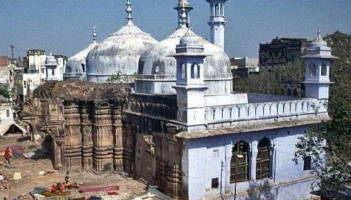 वाराणसी के काशी विश्वनाथ मंदिर और ज्ञानवापी मस्जिद मामले में कोर्ट में सुनवाई आज