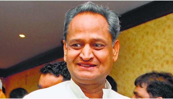 झुंझुनूं: पुजारी की हत्या के मामले में ब्राह्मण समाज ने CM गहलोत के नाम दिया ज्ञापन, की यह मांग...