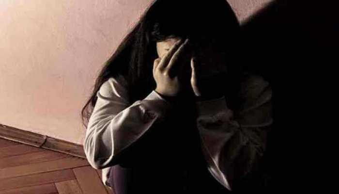 नाबालिग बेटी का यौन उत्पीड़न करने वाले पिता को उम्र कैद, चुप रहने पर मां को भी जेल