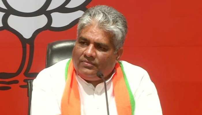 बिहार चुनाव: भूपेंद्र यादव के बयान पर सियासत गर्म, कांग्रेस बोली-अपने गिरेंबान में झाकें पहले BJP