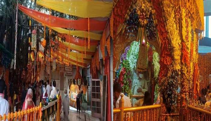 कोरोना पर मां के भक्तों की आस्था पड़ रही भारी, जयकारों से गूंजा चिंतपूर्णी मंदिर, देखें तस्वीरें