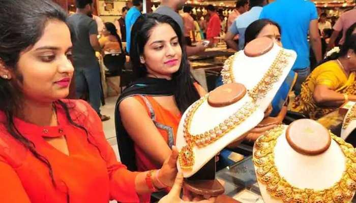 Gold-Silver में गिरावट के बाद लौटी तेजी, निचले स्तरों से सोना 300 रुपये मजबूत