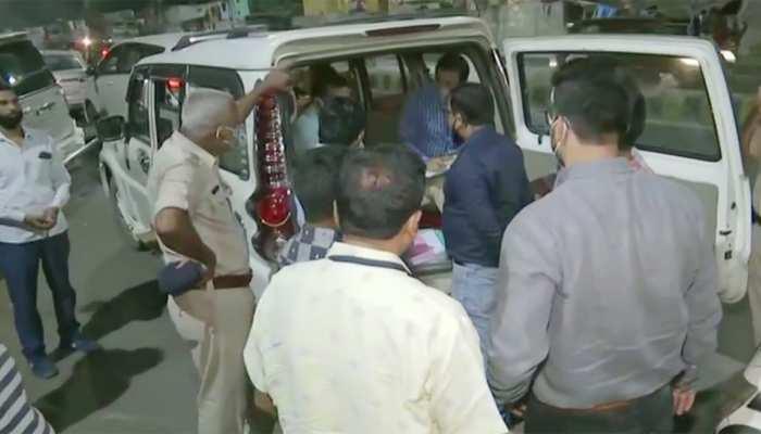 बिहार: कांग्रेस हेडक्वार्टर पर IT का छापा, गाड़ी से बरामद हुए साढ़े 8 लाख रुपये
