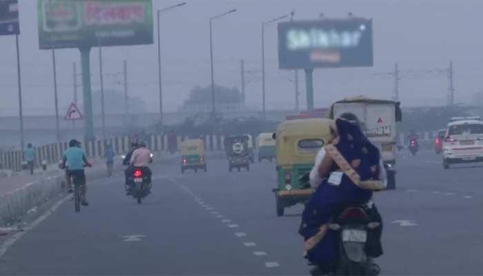 दिल्ली: खतरनाक स्थिति में पहुंचा प्रदूषण का स्तर, कई इलाकों में सांस लेना मुश्किल