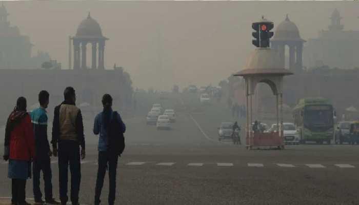 दिल्लीवासी भयानक प्रदूषण और जहरीली हवा से बेहाल