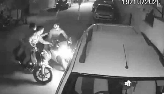 कार चोर के शातिर दिमाग पर भारी पड़े यूपी पुलिस के जवान, अब मिलेगा इनाम