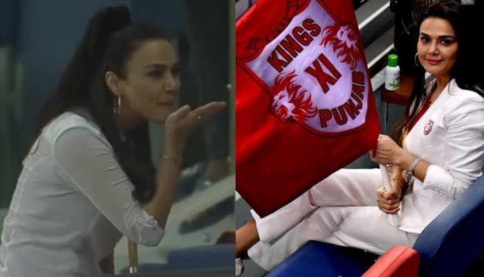 IPL 2020 KXIP vs SRH: प्रीति जिंटा के Flying Kiss ने इंटरनेट पर लगाई आग